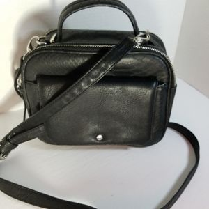 Steve Madden crossbody lunchbag black& white linin